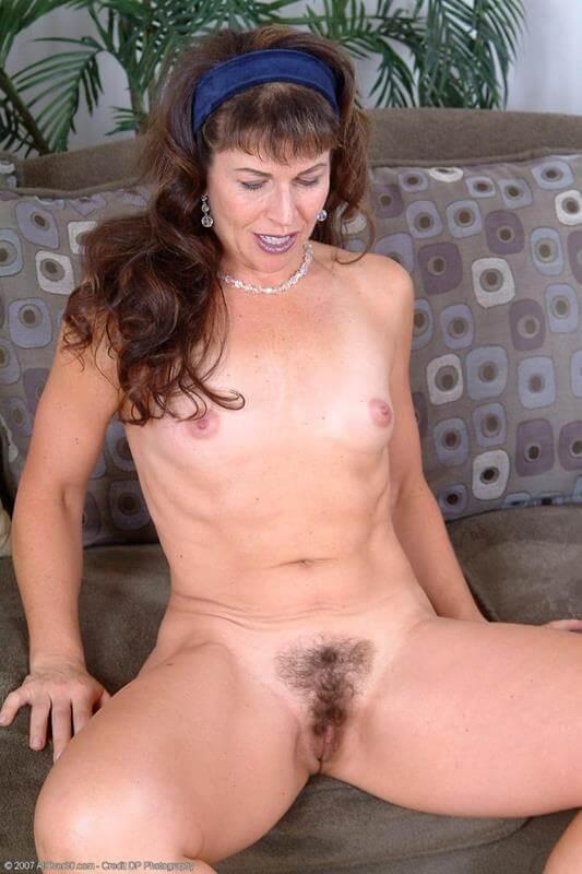 Coroas Nuas Coroa Peluda - Sexy Erotic Girls